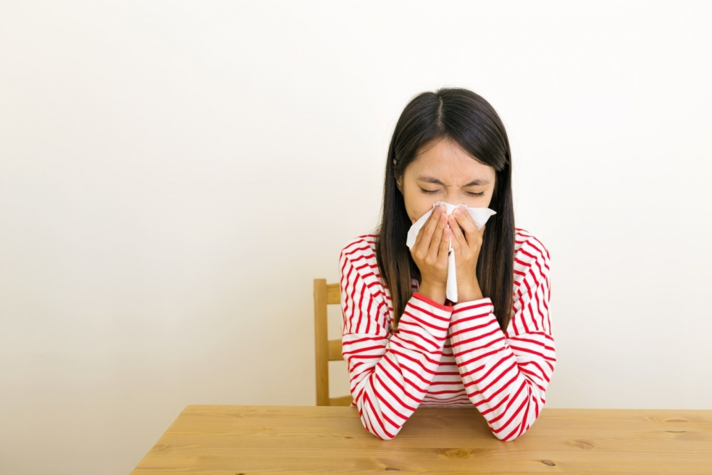 bladder leakage when sneezing