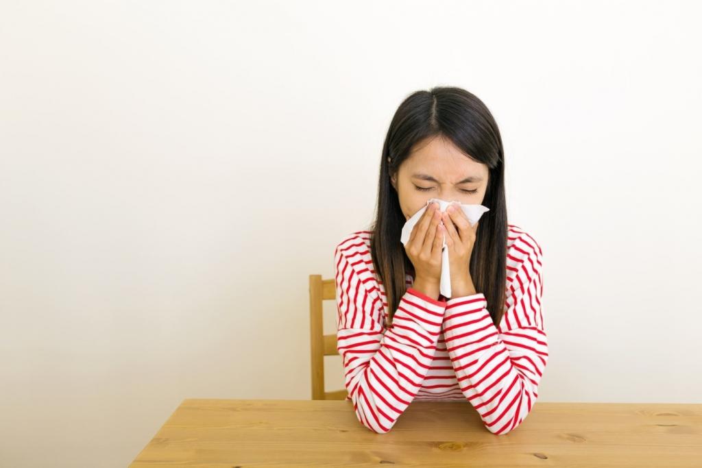 bladder leakage when sneezing